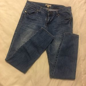 Cabi Jeans Size 8 Style #319 89% cotton 11% Poly